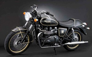 big_Triumph_Bonneville_50th_06